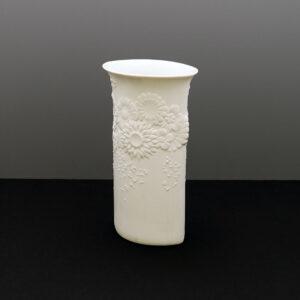 kaiser-white-bisque-porcelain-vase-flowers