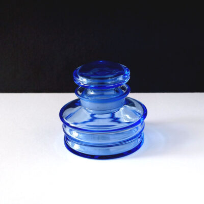 blue-lidded-dresser-jar