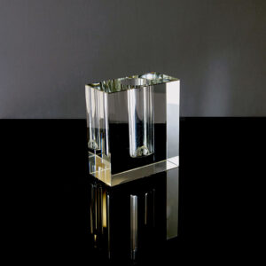 modernist-crystal-block-bud-vase