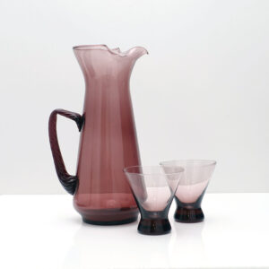 amethyst-blown-glass-pitcher-and-two-glasses