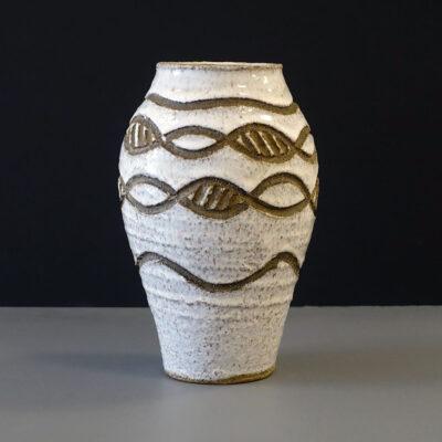 california-studio-pottery-dna-pattern-vase2