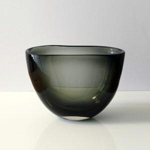 monumental-whitefriars-cased-glass-vase-centerpiece