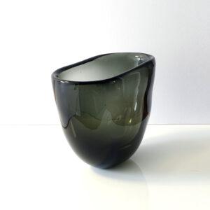 monumental-whitefriars-cased-glass-vase-centerpiece2