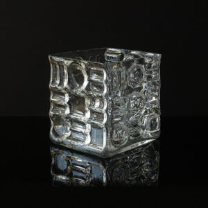 sklo-czech-op-art-hurricane-candle-holder