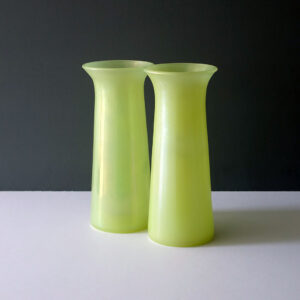 pair-iridescent-yellow-green-flower-vase