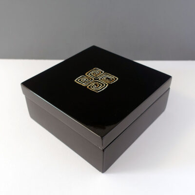 mother-of-pearl-inlay-lacquer-lidded-box