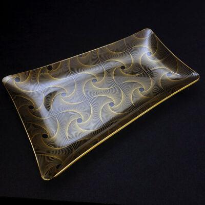 spiral-op-art-trapezoidal-bent-glass-platter