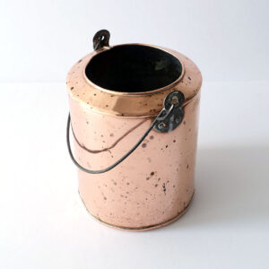 copper-vessel-with-metal-handle