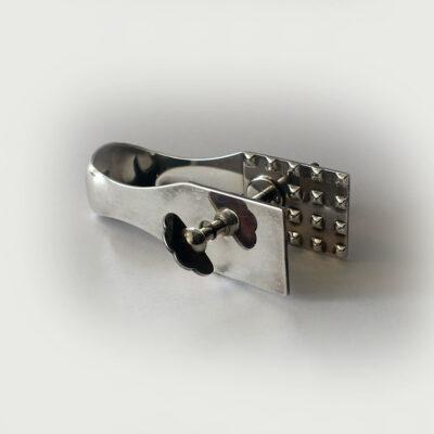 UG-A-Silverplate-cheese-clamp