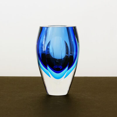 tri-color-sommerso-blues-crystal-faceted-vase-1