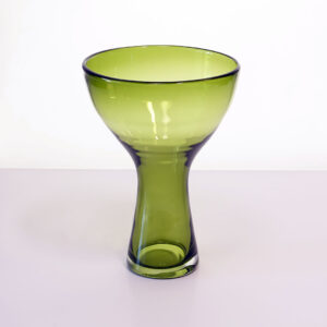 Helkristall Sweden-style-olive-green-ombre-hourglass-vase