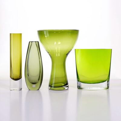 green-art-glass-vase-group-of-4