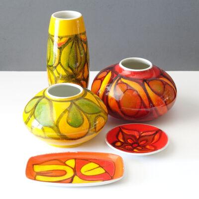 poole-england-delphis-yellow-vase-02