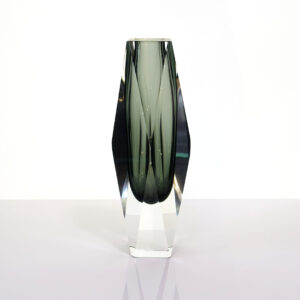 murano-large-gray-faceted-block-vase