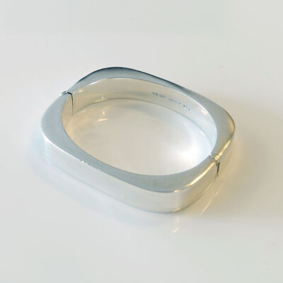 taxco-vintage-sterling-squared-oval-hinged-cuff