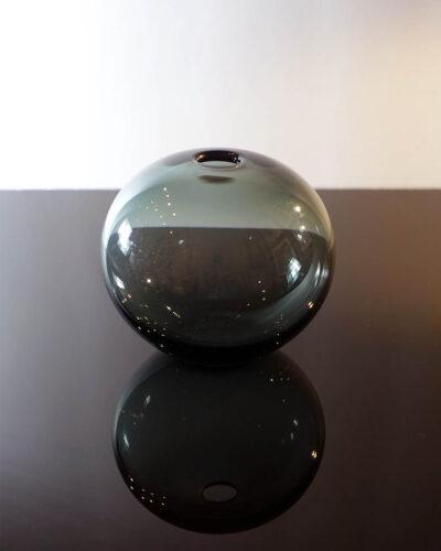 telsey-356-smoke-gray-holmegaard-per-lutken-1958-ball-vase