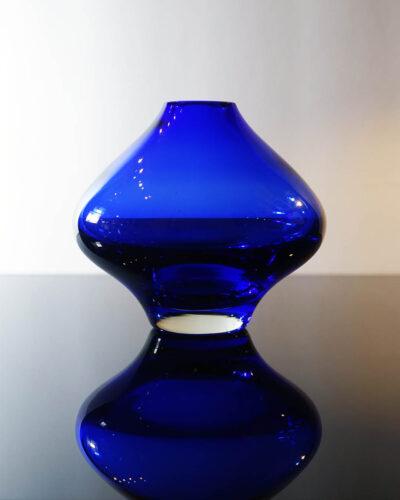 telsey-358-Riihimäen-Lasi-Oy-Riihimäki-cobalt-blue-vase